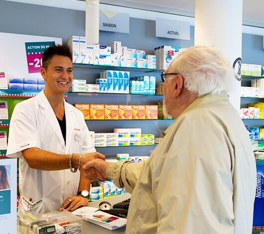- Assistant-e en pharmacie